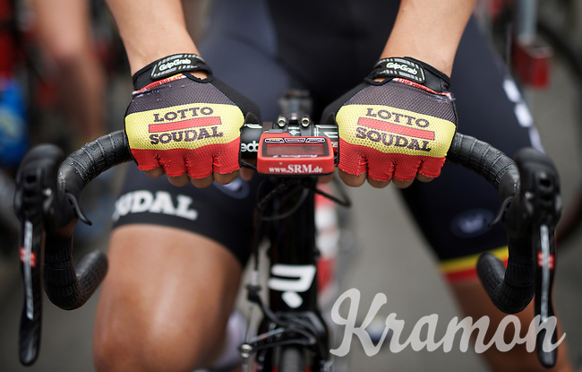 Belgian Champon Jens Debusschere (BEL/Lotto-Soudal) wears his tricolore gloves for one last week, before having to defend his title again the next weekend.<br /> <br /> stage 4: Hotel Verviers - La Gileppe (187km)<br /> 29th Ster ZLM Tour 2015