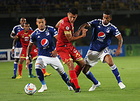BOGOTÁ - COLOMBIA, 1-09-2018:Ayron Del Valle (Izq.) y Cesar Carrillo (Der) jugadores de Millonarios disputan el balón con Jhonny Vasquez (Centro) jugador del  Rionegro durante partido por la fecha 7 de la Liga Águila II 2018 jugado en el estadio Nemesio Camacho El Campín de la ciudad de Bogotá. /Ayron Del Valle (L) and Cesar Carrillo (R)players of Millonarios  fights for the ball with Jhonny Vasquez (C) player of Rionegro during the match for the date 7 of the Liga Aguila II 2018 played at the Nemesio Camacho El Campin Stadium in Bogota city. Photo: VizzorImage / Felipe Caicedo / Staff.