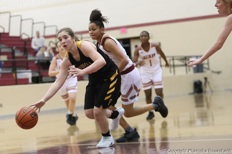 Boswell beats Saginaw 62-28 in 6-5A girls' high school basketball in Saginaw on Friday, January 5, 2018. (photo by Khampha Bouaphanh)