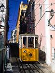 Portugal, Lissabon: Elevador da Bica - Standseilbahn | Portugal, Lisbon: Elevador da Bica - cable car