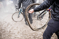 not enough glue?<br /> <br /> elite men's race<br /> CX Superprestige Noordzeecross <br /> Middelkerke / Belgium 2017