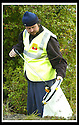 22/10/2007       Copyright Pic: James Stewart.File Name : 24_Larbert_Litter.MEMBERS OF THE PUBLIC GET TOGETHER ON THE STREETS AROUND LARBERT TO COLLECT LITTER.James Stewart Photo Agency 19 Carronlea Drive, Falkirk. FK2 8DN      Vat Reg No. 607 6932 25.Office     : +44 (0)1324 570906     .Mobile   : +44 (0)7721 416997.Fax         : +44 (0)1324 570906.E-mail  :  jim@jspa.co.uk.If you require further information then contact Jim Stewart on any of the numbers above........
