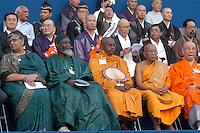 "- meeting ?Religions and Cultures? organized by the S.Egidio Community in Milan,  Buddhist monks....- meeting ""Religioni e Culture"" organizzato dalla Comunità S.Egidio a Milano, monaci Buddisti"