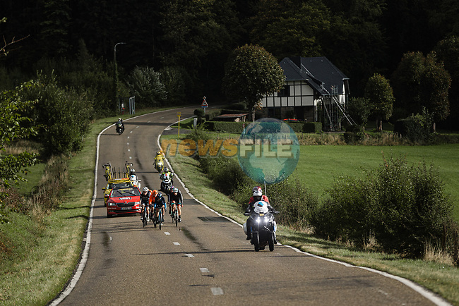 The chase group during Liege-Bastogne-Liege Femmes 2020, running 135km from Liege to Liege, Belgium. 4th October 2020.<br /> Picture: ASO/Thomas Maheux | Cyclefile<br /> All photos usage must carry mandatory copyright credit (© Cyclefile | ASO/Thomas Maheux)