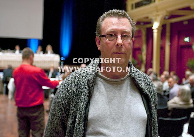 Zutphen 261010 gedupeerdeHenk Bosschaart in de Exactazaak in theater de Hanzehof .<br /> <br /> Foto Frans Ypma APA-foto