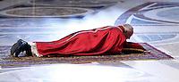 Papa Francesco si prostra sul pavimento all'inizio della celebrazione della Passione del Signore nella Basilica di San Pietro, Citta' del Vaticano, 3 aprile 2015.<br /> Pope Francis prostrates on the floor at the beginning of the Lord's Passion celebration in St. Peter's Basilica at the Vatican, 3 April 2015.<br /> UPDATE IMAGES PRESS/Isabella Bonotto<br /> <br /> STRICTLY ONLY FOR EDITORIAL USE