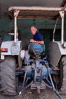 Brescia / Italia - giugno 2013<br /> Pierino Antonioli, contadino bresciano di 70 anni, abita nell'area inquinata dal PCB prodotto dall'industria chimica Caffaro. A causa dell'inquinamento non può coltivare i campi messi sotto sequestro dall'autorità giudiziaria.<br /> Non ha ricevuto alcun indennizzo per la perdita di beni e di lavoro.<br /> Foto Livio Senigalliesi