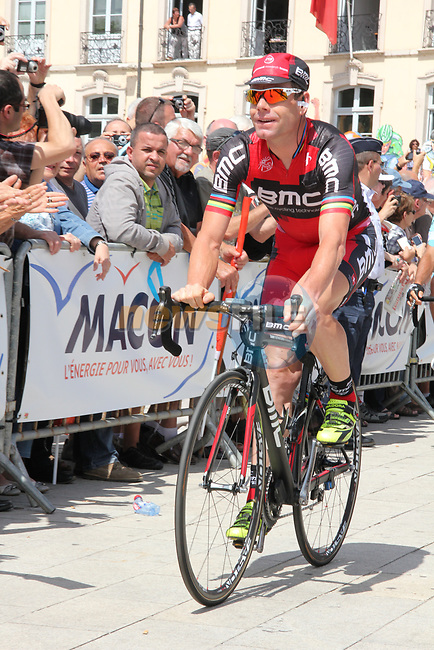 Cadel Evans (AUS) BMC Racing Team at sign on before Stage 10 of the 99th edition of the Tour de France 2012, running 194.5km from Macon to Bellegarde-sur-Valserine, France. 11th July 2012.<br /> (Photo by Thomas van Bracht/NEWSFILE)