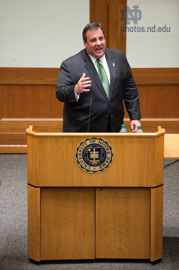 """November 18, 2011; New Jersey Gov. Chris Christie delivers the keynote address during a daylong symposium, titled """"Educational Innovation and the Law"""" in the Patrick F. McCartan Courtroom at the Notre Dame Law School. Photo by Barbara Johnston/University of Notre Dame."""
