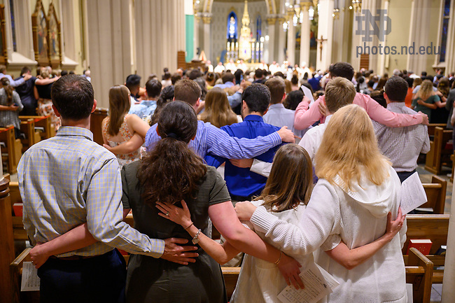 July 22, 2021; Alma Mater at the end of the 2021 ACE Missioning Mass (Photo by Matt Cashore/University of Notre Dame)