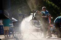 cleaning the bikes<br /> <br /> restday 2 in Burgos<br /> 2015 Vuelta à Espagna