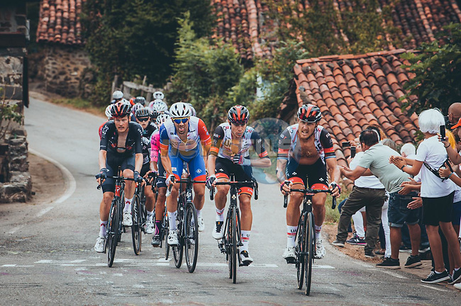Matteo Trentin (ITA) and David de la Cruz (ESP) UAE Team Emirates during Stage 17 of La Vuelta d'Espana 2021, running 185.8km from Unquera to Lagos de Covadonga, Spain. 1st September 2021.    <br /> Picture: Cxcling | Cyclefile<br /> <br /> All photos usage must carry mandatory copyright credit (© Cyclefile | Cxcling)