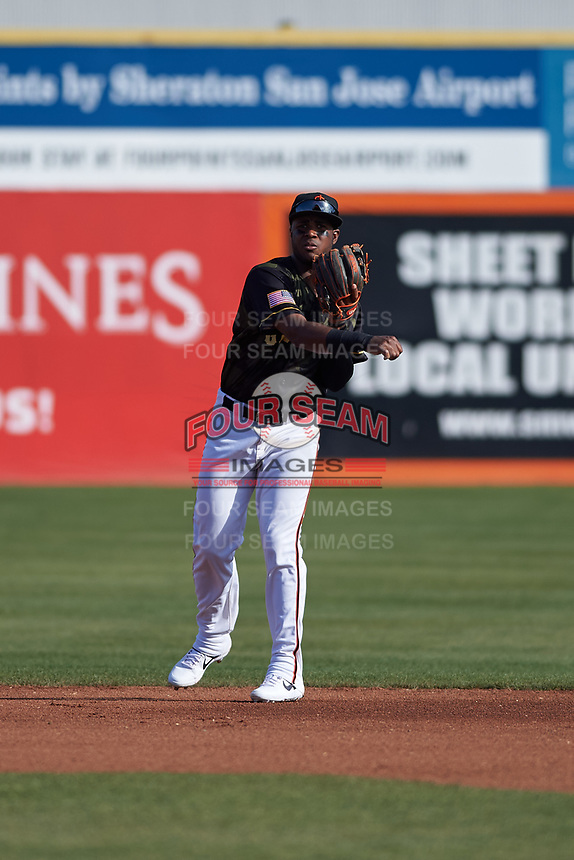 San Jose Giants shortstop Manuel Gerardo (26) during a California League game against the Visalia Rawhide on April 13, 2019 at San Jose Municipal Stadium in San Jose, California. Visalia defeated San Jose 4-2. (Zachary Lucy/Four Seam Images)