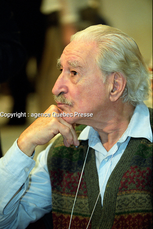 Michel Chartrand<br />  au Salon du Livre (annee inconnue)<br /> <br /> <br />  - PHOTO D'ARCHIVE :  Agence Quebec Presse