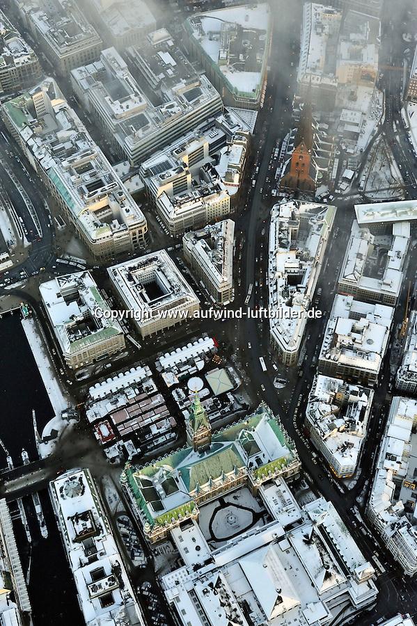 Hamburger Innenstadt in der Vorweihnachtszeit: EUROPA, DEUTSCHLAND, HAMBURG, (EUROPE, GERMANY), 21.12.2009: Hamburger Innenstadt in der Vorweihnachtszeit