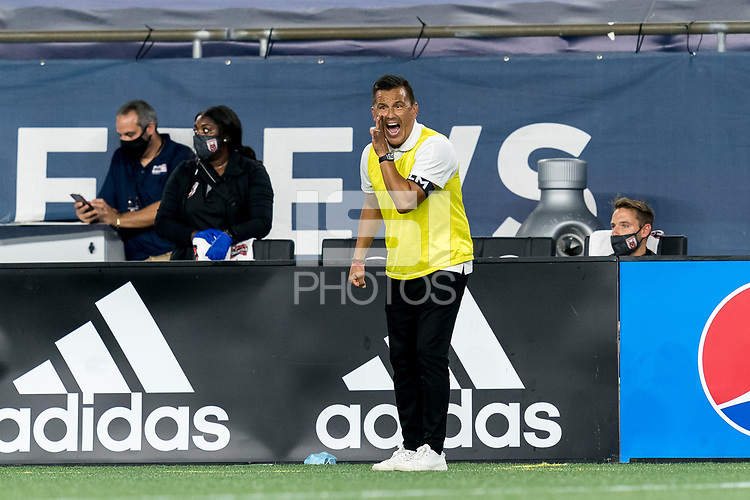 FOXBOROUGH, MA - SEPTEMBER 09: Chattanooga Red Wolves SC Jimmy Obleda yells out adjustment during a game between Chattanooga Red Wolves SC and New England Revolution II at Gillette Stadium on September 09, 2020 in Foxborough, Massachusetts.