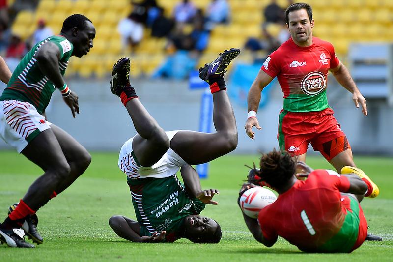 Kenya's Billy Odhiambo  in action during the HSBC Wellington Sevens at Westpac Stadium , Wellington, New Zealand, on Saturday 30 January 2016.<br /> Photo by Masanori Udagawa. <br /> www.photowellington.photoshelter.com.