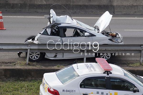 Campinas (SP), 01/06/2021 - Acidente - Acidente com vitima fatal na rodovia Anhnaguera, na tarde desta terça-feira (01), proximo ao Campinas Shopping.