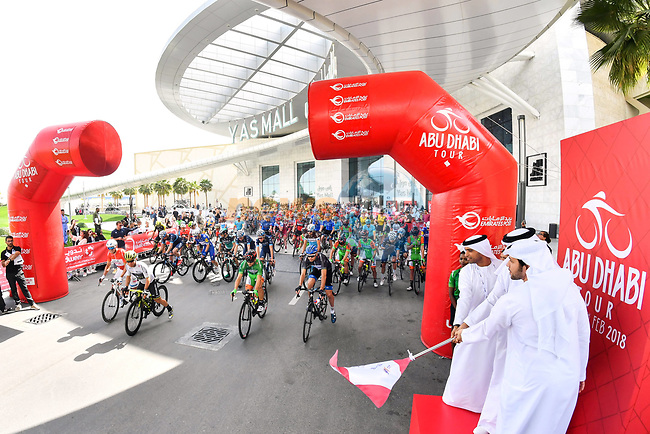 The ceremonial start of Stage 2 of the 2018 Abu Dhabi Tour, Yas Island Stage running 154km from Yas Mall to Yas Beach, Abu Dhabi, United Arab Emirates. 22nd February 2018.<br /> Picture: LaPresse/Massimo Paolone   Cyclefile<br /> <br /> <br /> All photos usage must carry mandatory copyright credit (© Cyclefile   LaPresse/Massimo Paolone)
