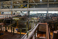 GERMANY, Hamburg, company Arubis copper smelting and production, copper cathode / Hamburg, Kupfererzeugung Arubis, Abwärme aus der Kupferherstellung wird über Wärmetauscher an Enercity für die Wärmeversorgung der Hafencity genutzt, Kupferproduktion