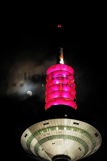 Fernsehturm von Frankfurt, Hessen, Deutschland. Vollmond..©Paul Trummer, Mauren / FL.www.travel-lightart.com..