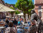 Germany; Bavaria; Lower Franconia; Miltenberg: café and half-timbered houses at market square | Deutschland; Bayern; Franken (Unterfranken); Miltenberg: Café und Fachwerkhaeuser am Marktplatz (umgangssprachlich auch 'Schnatterloch' genannt)