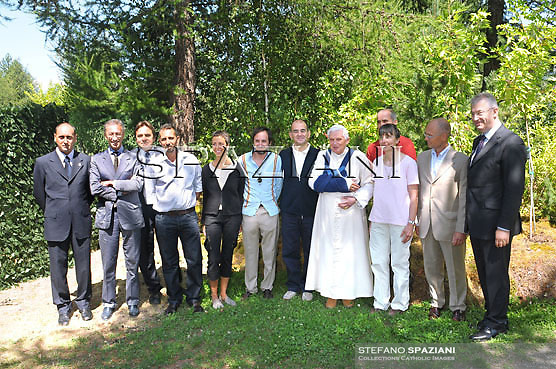 25.07.2009 Les Combes, Italy. Pope Benedict XVI with the doctors of the hospital Parini of Aosta..