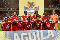 CALI -COLOMBIA-15-08-2016. Jugadores América de Cali posan para una foto previo al encuentro con Bogotá FC durante partido de la fecha 7 vuelta del Torneo Águila 2016 jugado en el estadio Pascual Guerrero de la ciudad de Cali. / Players of America de Cali pose to a photo prior the match against Bogota FC for the date 7 second leg match of the Aguila Tournament 2016 played at Pascual Guerrero stadium in Cali. Photo: VizzorImage/ Christian Cadavid Soto / Cont