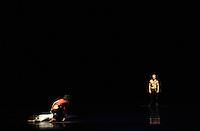 """Generalprobe Oper Leipzig des Stücks """" Jim Morrison """" - eine Ballett Inszenierung des Lebens des legendären Frontman der """"The Doors"""" - in der Hauptrolle : Martin Svobodnik (CZE) . Foto: Norman Rembarz<br /> <br /> Jegliche kommerzielle wie redaktionelle Nutzung ist honorar- und mehrwertsteuerpflichtig! Persönlichkeitsrechte sind zu wahren. Es wird keine Haftung übernommen bei Verletzung von Rechten Dritter. Autoren-Nennung gem. §13 UrhGes. wird verlangt. Weitergabe an Dritte nur nach  vorheriger Absprache. Online-Nutzung ist separat kostenpflichtig.."""