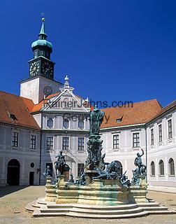 Deutschland, Bayern, Oberbayern, Muenchen: staatl. Muenzsammlung und Brunnenhof in der Residenz   Germany, Bavaria, Upper Bavaria, Munich: royal residence, fountain yard and Old Mint