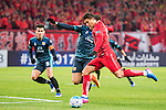Elkeson de Oliveira Cardoso (r) of Shanghai SIPG FC battles for the ball with Kiattisak Toophuntod of Sukhothai FC during their AFC Champions League 2017 Playoff Stage match between Shanghai SIPG FC (CHN) and Sukhothai FC (THA) at the Shanghai Stadium, on 07 February 2017 in Shanghai, China. Photo by Marcio Rodrigo Machado / Power Sport Images