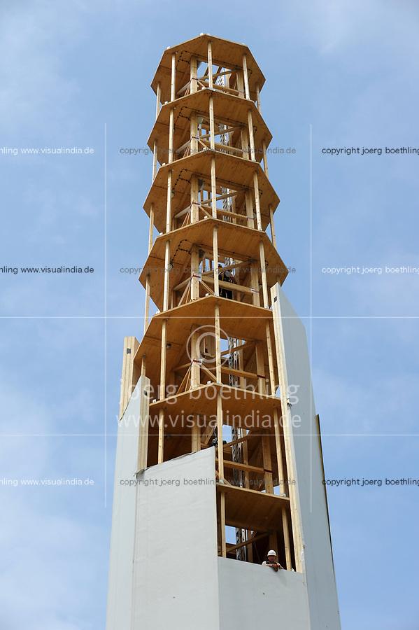 GERMANY, Hannover, Timbertower GmbH, construction of 100 metre  timber tower for 1,5 MW windturbine / DEUTSCHLAND, Hannover , die TimberTower GmbH errichtet den ersten 100 Meter Holzturm für eine 1,5 Megawatt Windkraftanlage der Firma Vensys in Hannover-Marienwerder