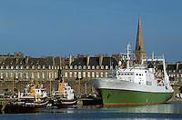 Europe/France/Bretagne/35/Ille-et-Vilaine/Saint-Malo: le port et les remparts de la ville Close