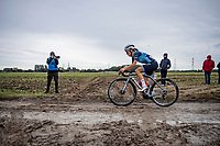 Lizzie Deignan (GBR/Trek-Segafredo) solo's to an incredible inaugural women's Roubaix win. <br /> Deignan rode away from the pack on the very first cobbled section and managed to stay ahead for the next 16...<br /> <br /> Inaugural Paris-Roubaix Femmes 2021 (1.WWT)<br /> One day race from Denain to Roubaix (FRA)(116.4km)<br /> <br /> ©kramon