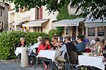 France, Provence-Alpes-Côte d'Azur, Saint-Paul-de-Vence: Le Tilleul restaurant | Frankreich, Provence-Alpes-Côte d'Azur, Saint-Paul-de-Vence: Restaurant Le Tilleul