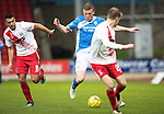 St Johnstone v Kilmarnock…15.10.16.. McDiarmid Park   SPFL<br />Brian Easton gets between Jordan Dicker and Luke Hendrie<br />Picture by Graeme Hart.<br />Copyright Perthshire Picture Agency<br />Tel: 01738 623350  Mobile: 07990 594431