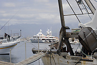 - Viareggio (Toscana), approdo dei pescherecci<br /> <br /> - Viareggio (Tuscany), landing place of fishing boats