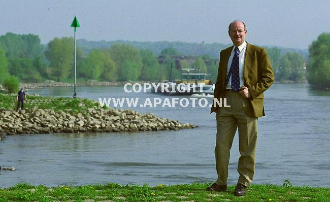 velp 010500 bert veraart rijnvaartcommissaris<br />foto frans ypma APA-foto