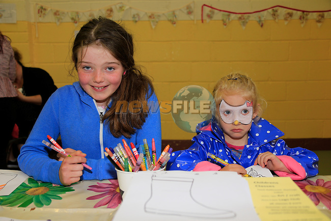 Ellen McCarthy, Maria groza at the Mellifont Parish open day in Tullyallen <br /> Picture: www.newsfile.ie