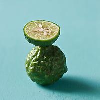 Gastronomie Générale/  Combava, Citrus hystrix - Stylisme : Valérie LHOMME