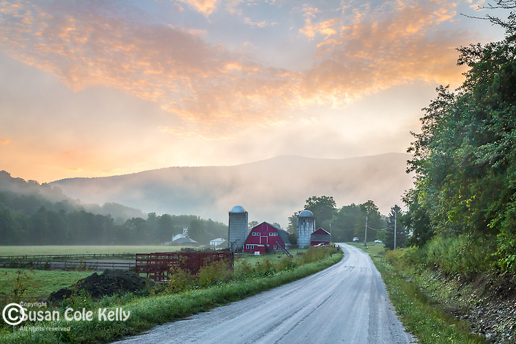 Sunrise at the Battenkill Farm in Arlington, Vermont, USA