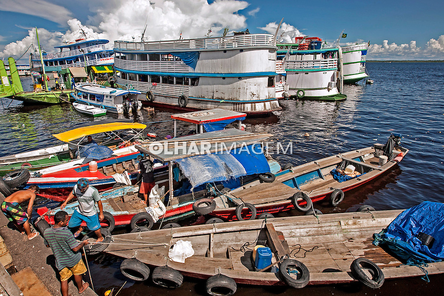 Barcos no porto de Manaus. Amazonas. 2015. Foto de Ubirajara Machado.