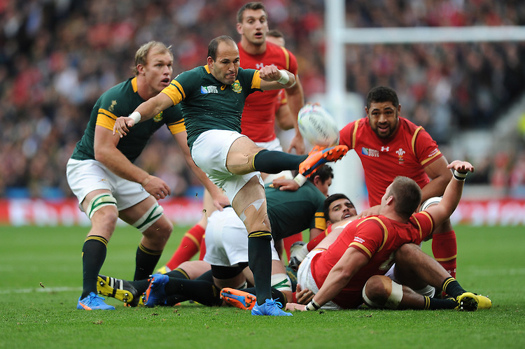 Fourie du Preez of South Africa sends up a box kick during Match 41 of the Rugby World Cup 2015 between South Africa and Wales - 17/10/2015 - Twickenham Stadium, London<br /> Mandatory Credit: Rob Munro/Stewart Communications
