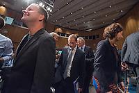 Diskussionsrunde der Spitzenkandidaten von SPD, CDU, Gruenen, Linkspartei und Piraten zur Abgeordnetenhauswahl 2016.<br /> Auf Einladung der IHK Berlin, Handwerkskammer Berlin und dem Verein Berliner Kaufleute und Industrieller mussten am Montag den 5. September 2016 die Spitzenkandidaten von SPD, CDU, Gruenen, Linkspartei und Piraten sich provozierenden Fragen von zwei Moderatoren beantworten. Als Publikum bestand aus Angehoerigen der Berliner Wirtschaft und Firmenbesitzern.<br /> Im Bild vlnr.: Klaus Lederer, Landesvorsitzender der Linkspartei; Michael Mueller, SPD und Regierender Buergermeister und Ramona Pop, Fraktionsvorsitzende Die Gruenen. <br /> 5.9.2016, Berlin<br /> Copyright: Christian-Ditsch.de<br /> [Inhaltsveraendernde Manipulation des Fotos nur nach ausdruecklicher Genehmigung des Fotografen. Vereinbarungen ueber Abtretung von Persoenlichkeitsrechten/Model Release der abgebildeten Person/Personen liegen nicht vor. NO MODEL RELEASE! Nur fuer Redaktionelle Zwecke. Don't publish without copyright Christian-Ditsch.de, Veroeffentlichung nur mit Fotografennennung, sowie gegen Honorar, MwSt. und Beleg. Konto: I N G - D i B a, IBAN DE58500105175400192269, BIC INGDDEFFXXX, Kontakt: post@christian-ditsch.de<br /> Bei der Bearbeitung der Dateiinformationen darf die Urheberkennzeichnung in den EXIF- und  IPTC-Daten nicht entfernt werden, diese sind in digitalen Medien nach §95c UrhG rechtlich geschuetzt. Der Urhebervermerk wird gemaess §13 UrhG verlangt.]