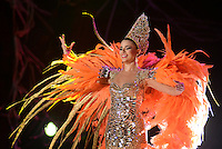 BARRANQUILLA-COLOMBIA- 12-02-2015: Con un show de más de una hora, se coronó a la reina del Carnaval Cristina Felfle quien prendió el la fiesta en el Estadio Romelio Martínez y así los barranquilleros se enrutan a la última etapa del Carnaval de Barranquilla 2015 que concluirá en el próximo 17 de febrero./ With a show of over an hour, was crowned the Carnival Queen Cristina Felfle who set the the feast at the Romelio Martínez Stadium and so Barranquilleros are routed to the last stage of the Carnival of Barranquilla 2015 will end on the 17th of February. Photo: VizzorImage / Alfonso Cervantes / STR