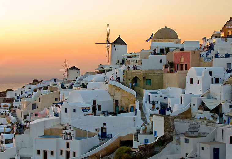 Santorini is known for its sheer beauty and remarkable sunset views. The famous Oia sunset, considered by many as one of the most beautiful in the world, keeps tourists flocking down to the castle, waiting for the moment when the sun slips behind the calm sea of the caldera.