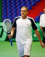 04-04-12, Netherlands, Amsterdam, Tennis, Daviscup, Netherlands-Rumania, training, Luncanu, de kopman van Roemenie.