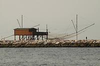 - impianto fisso per la pesca a Chioggia (Venezia)....- fixed installation for fishing in Chioggia, lagoon city south of Venice ( Italy ) Italia