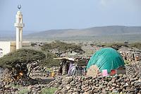 DJIBOUTI Tadjourah, Afar village with mosque / DSCHIBUTI Tadjourah, Afar Dorf mit Moschee