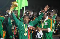 Felix Katongo Zambia con la coppa.Libreville 12/2/2012 .Football Calcio 2012.Coppa d'Africa.Zambia Costa d'Avorio.Foto Insidefoto / Christian Liewig / FEP / Panoramic.ITALY ONLY